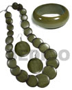 Natural stained green wood jewelry set
